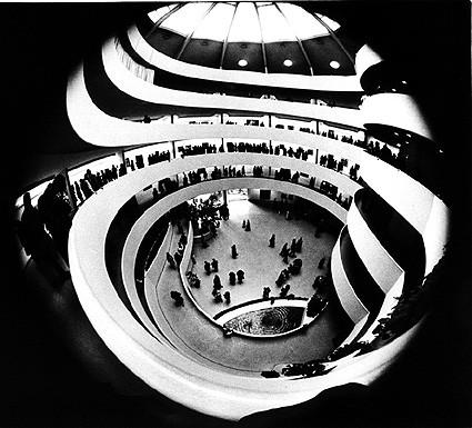 Guggenheim bianco e nero eva content for Foto alta definizione bianco e nero